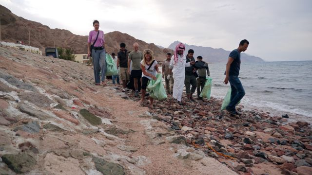 Beach clean up Dahab Bedouin Festival 2014